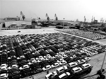 连云港口岸出口汽车数量激增 苏州优化营商环境外资逆势增长