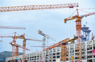 国家会议中心二期主体工程屋盖合拢