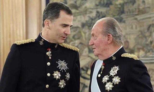 ·卡洛斯(右)和费利佩六世
