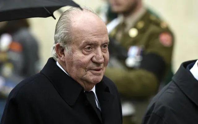 曾有1500名情人还参与洗黑钱 82岁老国王负罪出走了
