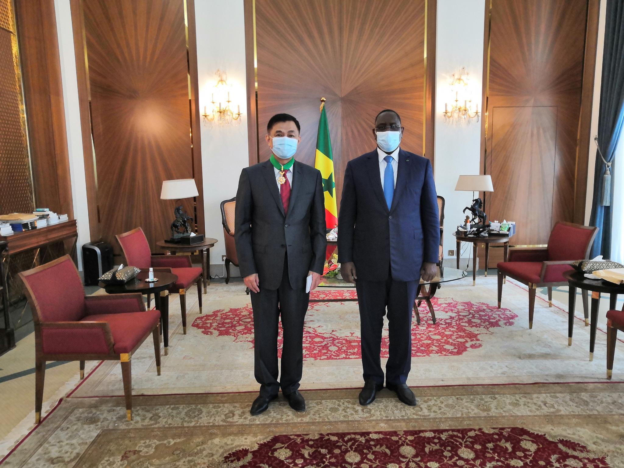 中国驻塞内加尔大使张迅将离任,获塞国总统授勋