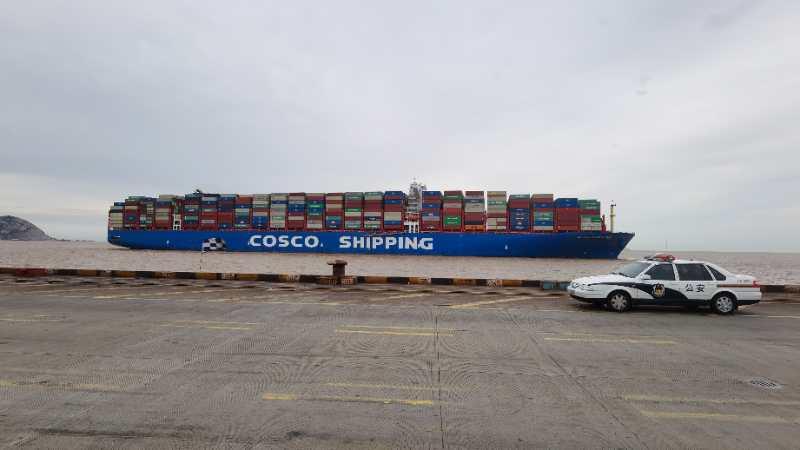 """台风""""黑格比""""过境后,上海这个最大港口迅速恢复往日繁忙"""