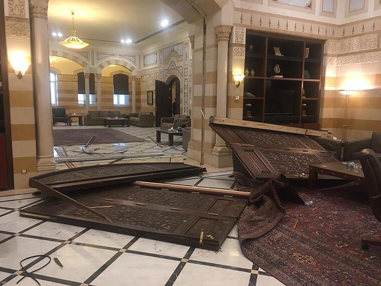骇人燃爆让黎巴嫩雪上加霜 目击者:像发生了大地震