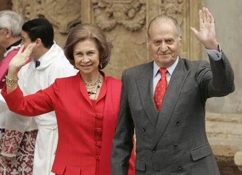 ·索菲亚(左)和卡洛斯。