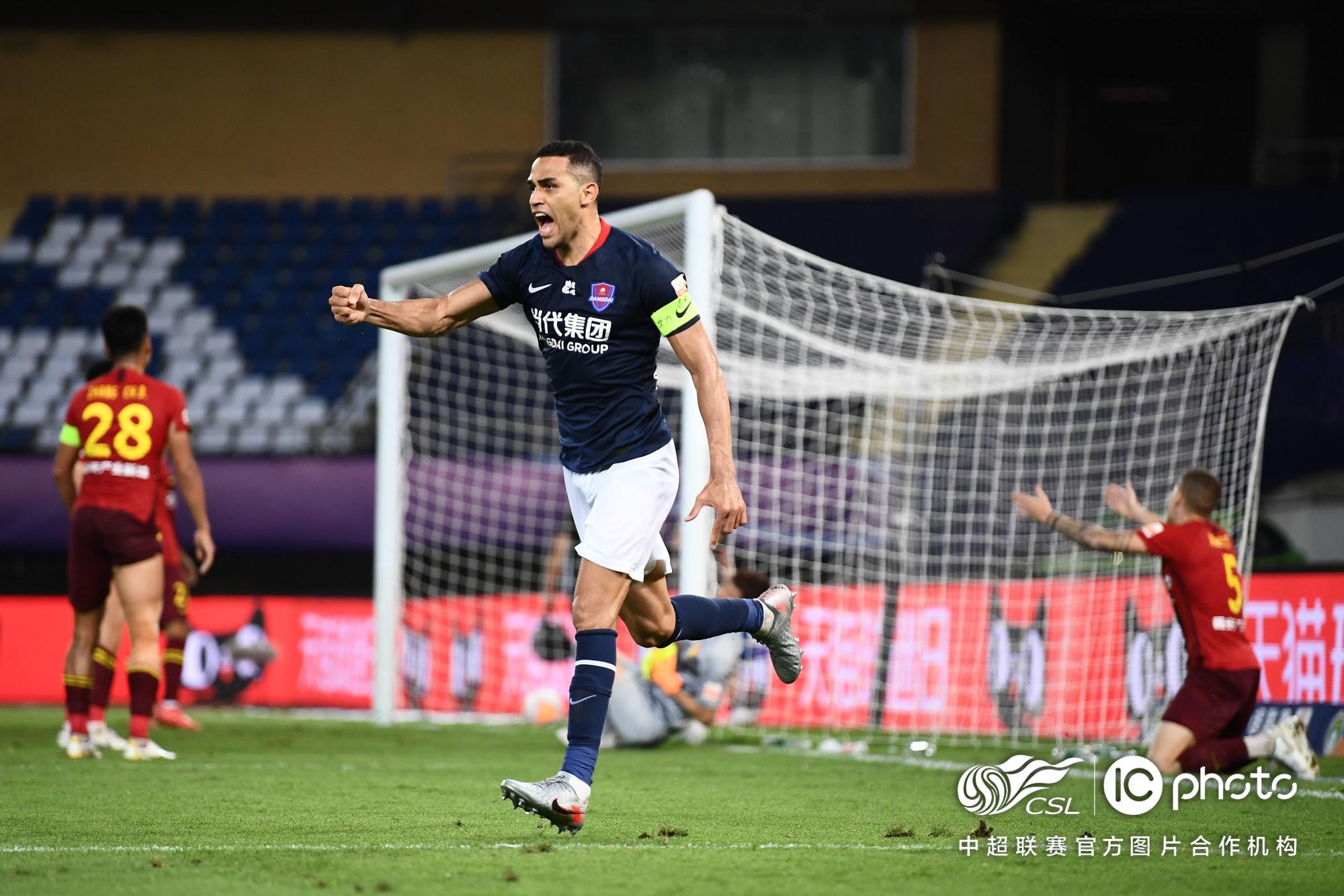中超-高拉特破门卡尔德克连造2球 河北华夏幸福2-2重庆当代