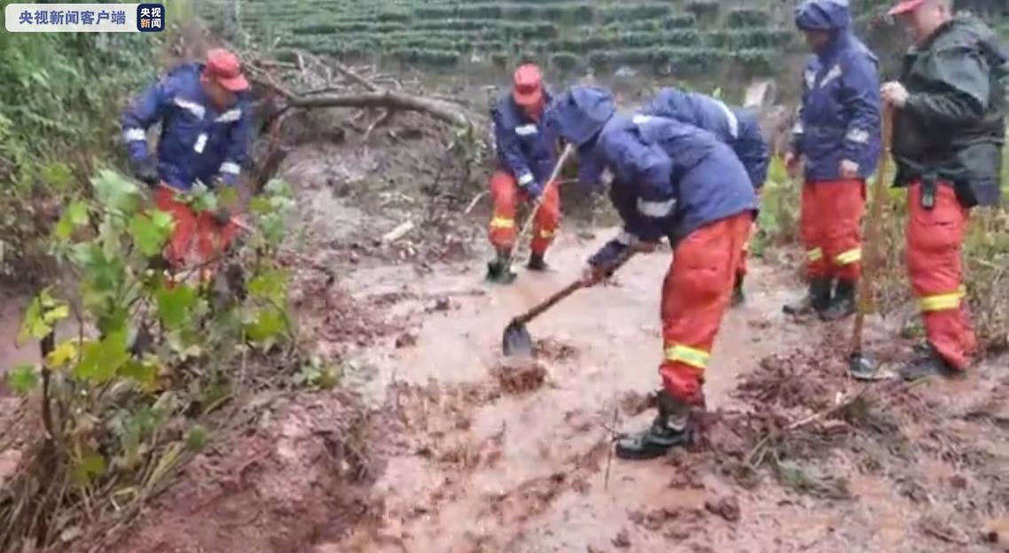 云南普洱下寨村发生泥石流灾害 致1人死亡