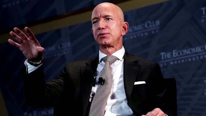 亚马逊CEO杰夫·贝佐斯今年套现500亿 却要补交3000亿财富税?