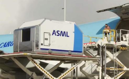 荷兰ASML不卖光刻机 华为和上海微电子竟然另有办法绕开