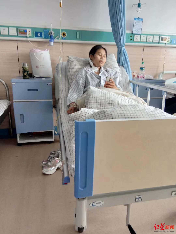 19岁女孩患尿毒症被生母拉黑 男友陪伴照顾 生母回应