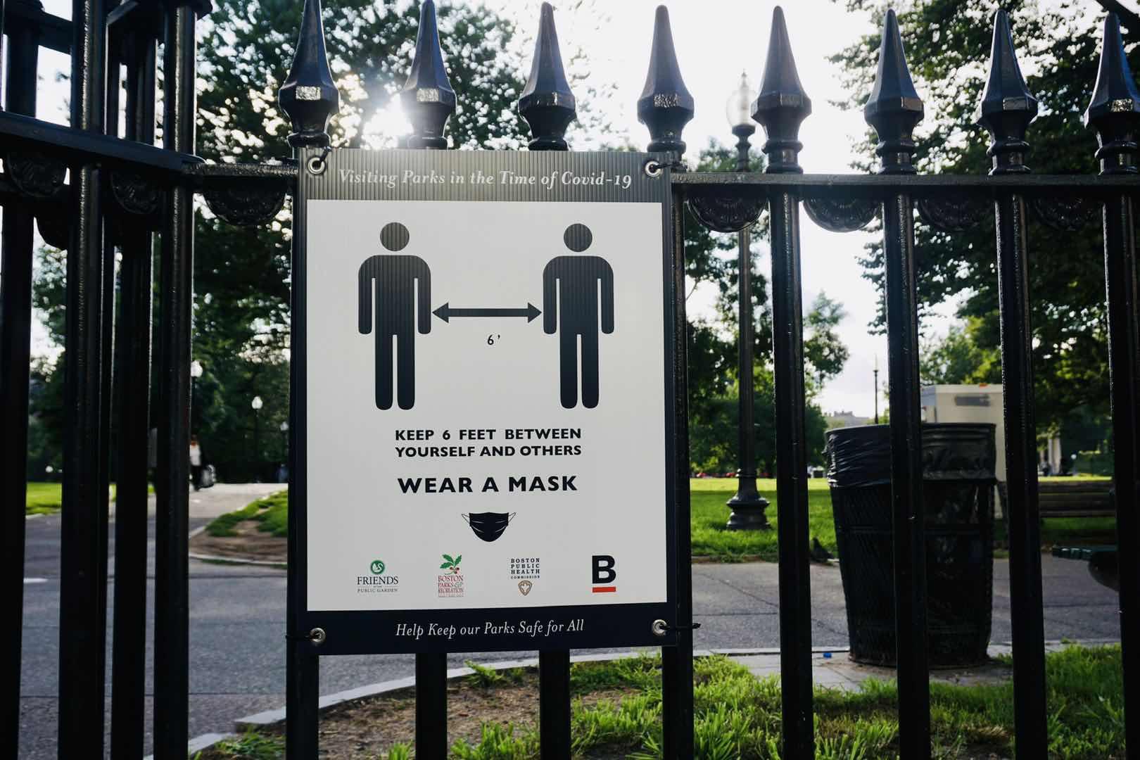 美国病毒专家:佩戴口罩可以减少7万人的死亡