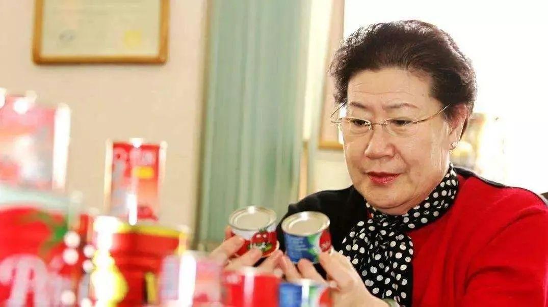 """她是""""中国最励志退休大妈"""",55岁创业做出市值超百亿元上市公司"""