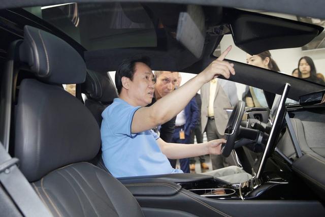 造车真的就是拼钱?许家印投3000亿,就能超过特斯拉了么?