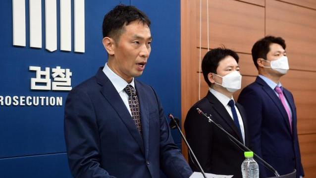 李在镕等11位三星集团高层人员涉嫌渎职等罪名被起诉