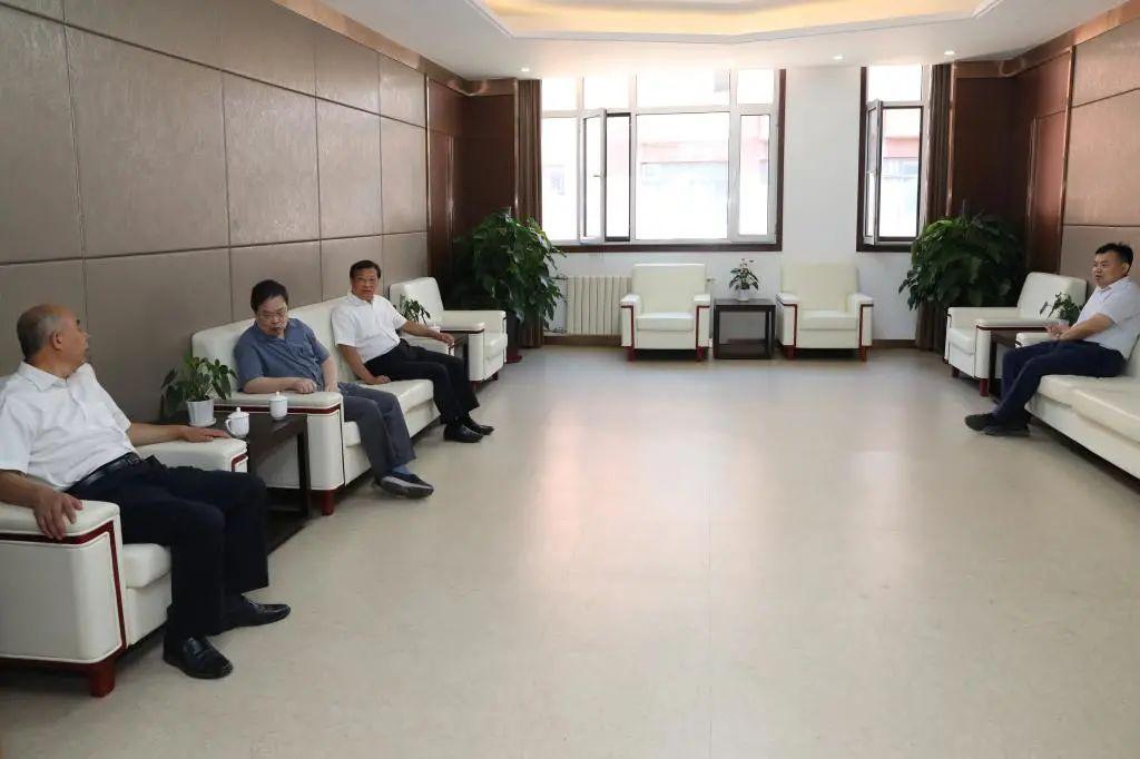 庆祝教师节 |学校领导慰问吴以成院士图片