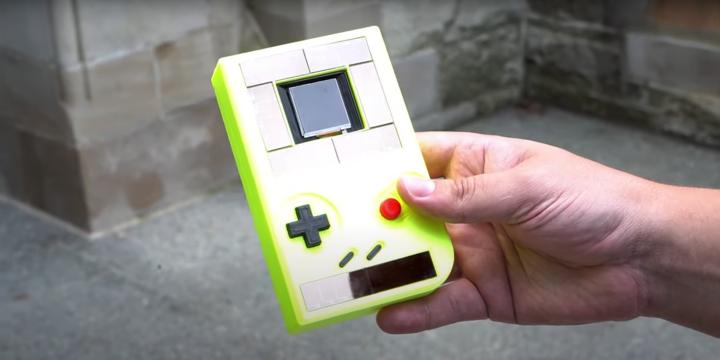 这台Game Boy无电池也能玩 掌机改装脑洞到底有多大?