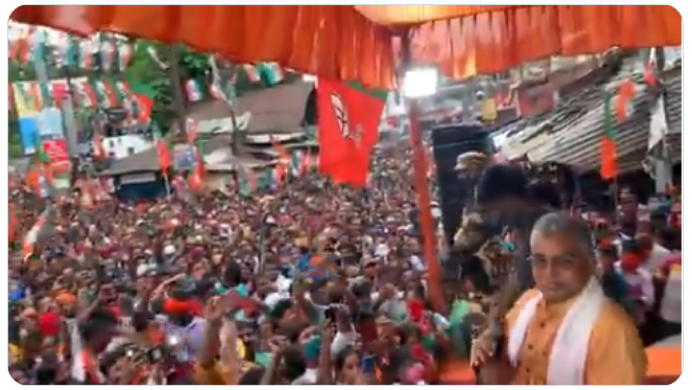 """全场欢呼!印度政客集会上高呼""""疫情结束"""""""