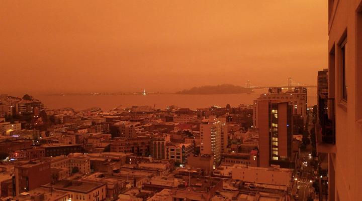 受山火影响 美国西岸目前空气质量成为世界最差