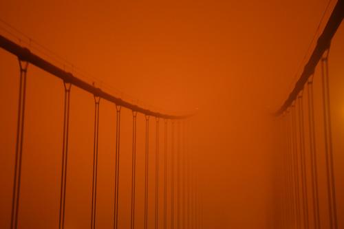 这是9月9日中午拍摄的美国加利福尼亚州旧金山金门大桥。新华社记者 吴晓凌 摄