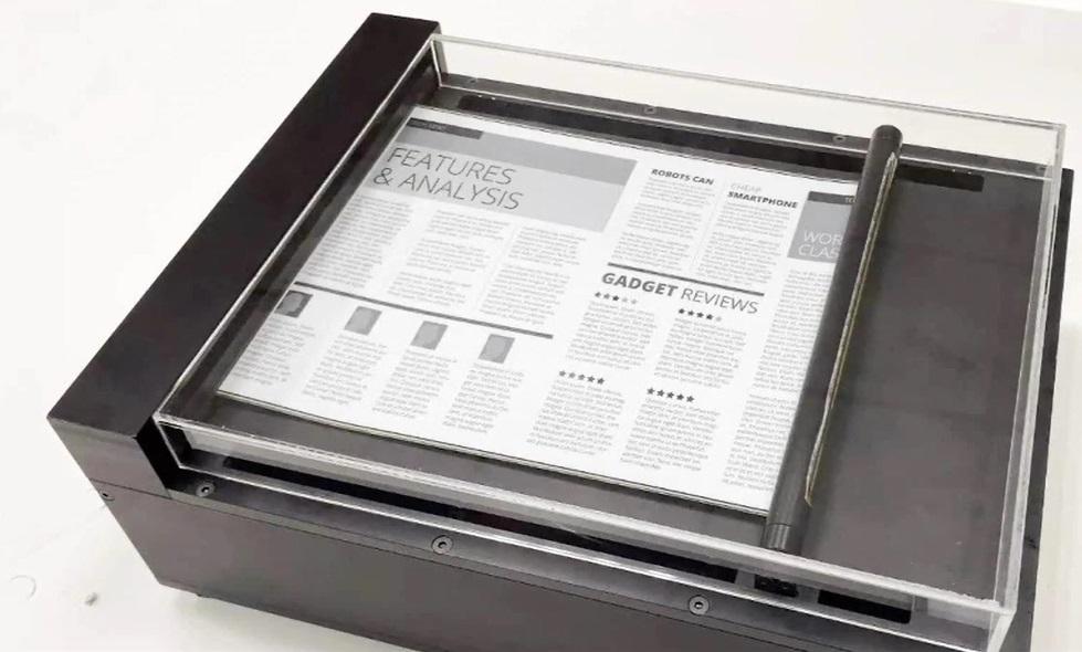 E Ink 展示卷轴式电子纸技术:再现哈利波特里的魔术报纸