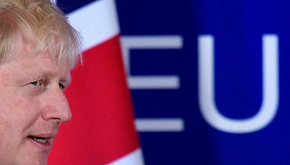 2019年10月17日,比利时布鲁塞尔,欧盟峰会期间,英国首相约翰逊出席记者会。。图片来源:视觉中国