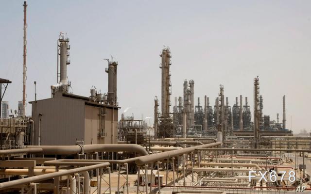 原油周评:收跌逾5%,创近三个月新低;炼厂需求萎靡,贸易商发愁,OPEC+凝聚力告急