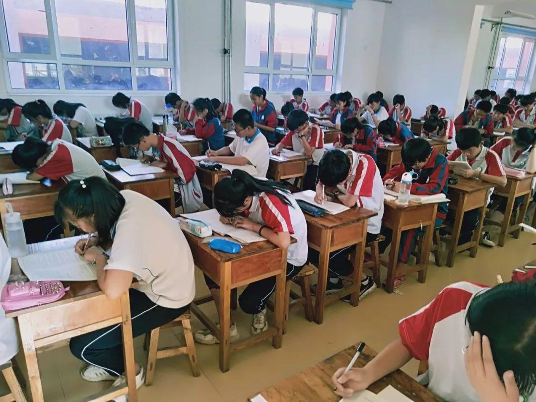 湖南上千民办高一新生或遭清退 上高中比考大学还难?图片