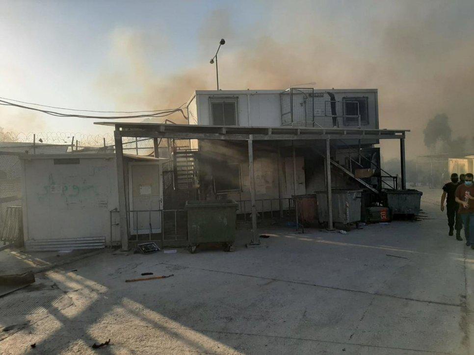 希腊最大难民营数次火灾致上万人流离失所
