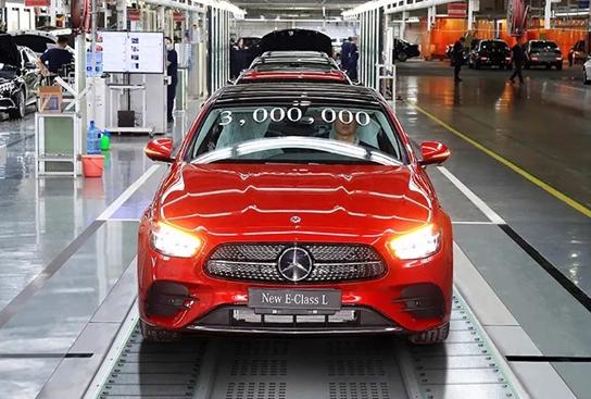新款国产奔驰E级正式下线:1.5T/2.0T+9AT