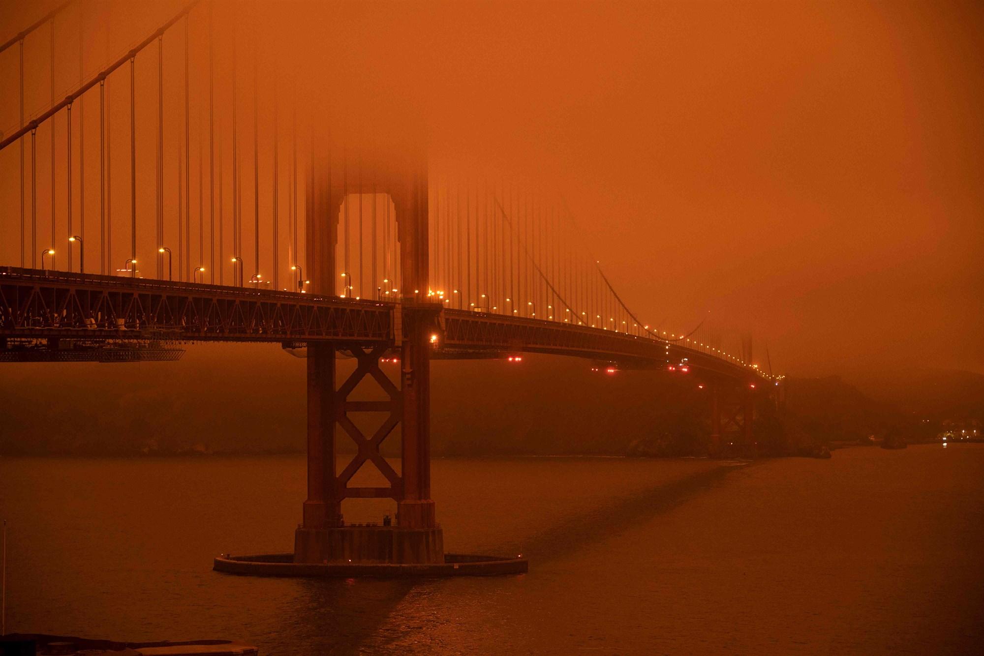 图为美国旧金山,空气弥漫橙色烟雾。(图:Getty)