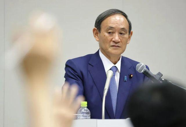 9月2日,日本内阁官房长官菅义伟在东京举行的记者会上宣布决定参加自民党总裁选举。新华社/共同社