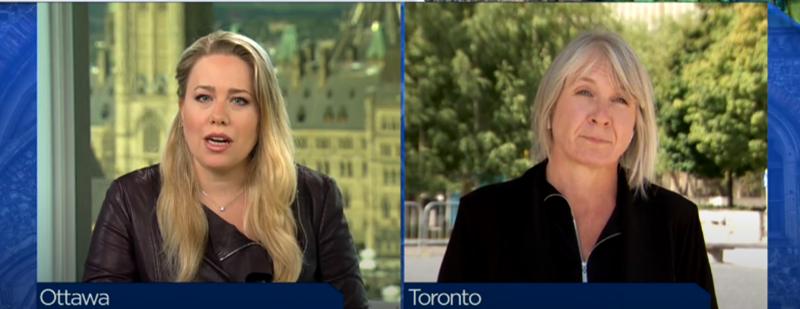帕蒂⋅哈杜(右)接受加拿大媒体记者梅塞德斯·斯蒂芬森(左)采访 视频截图