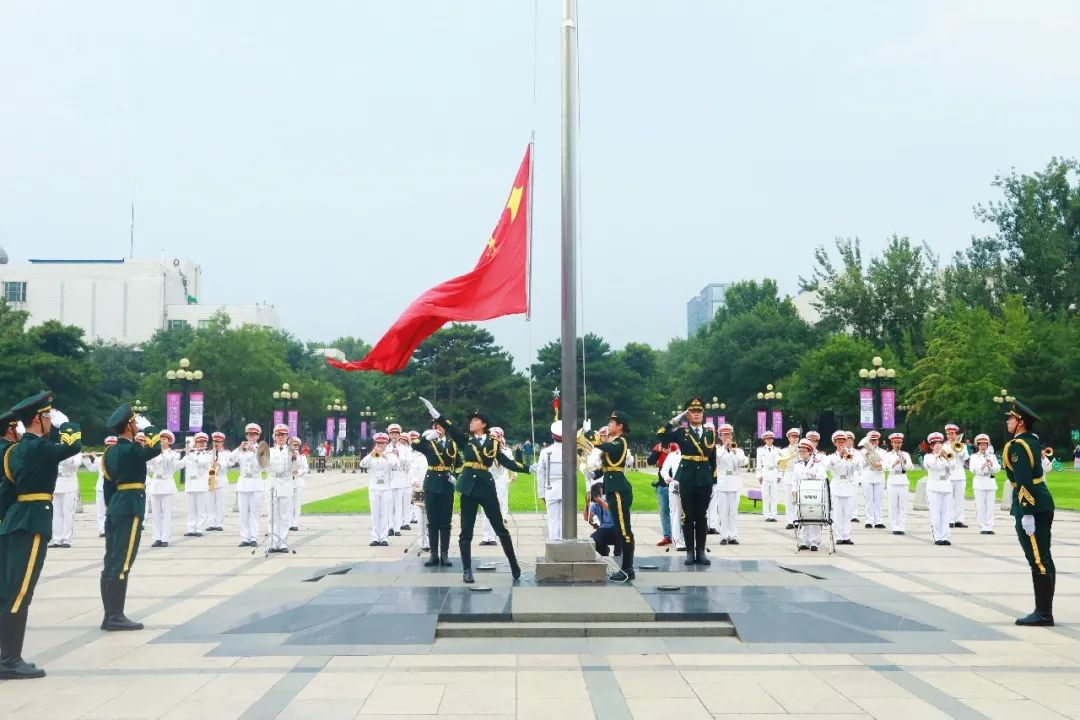 新学期,国旗从这里升起!图片