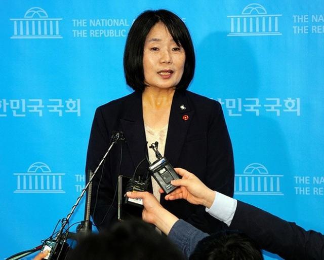"""韩国""""慰安妇""""维权组织前负责人被指控欺诈、挪用公款"""
