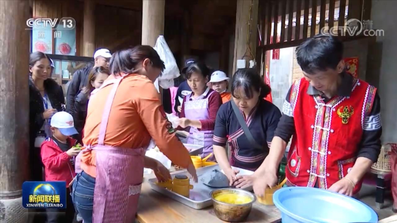 【走向我们的小康生活】阿佤人民唱新歌 幸福的日子一天一个样图片