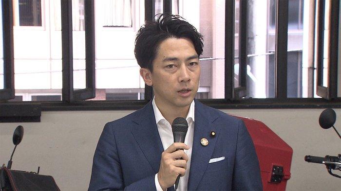 环境相小泉进次郎,39岁,前首相小泉纯一郎次子
