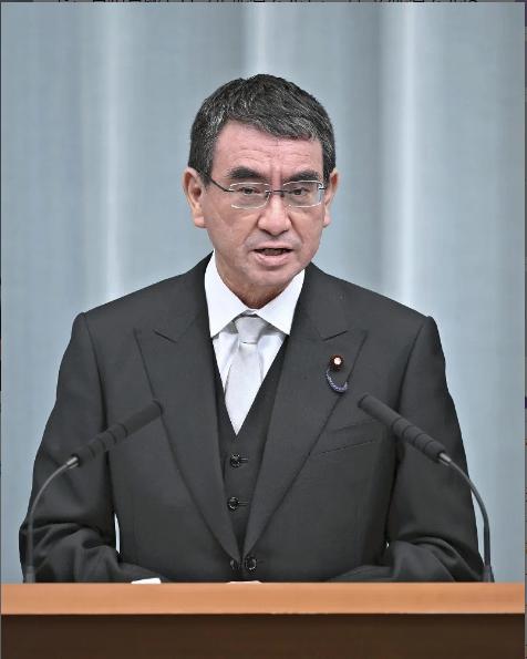 日本新内阁记者会开到后半夜 河野太郎当场抱怨