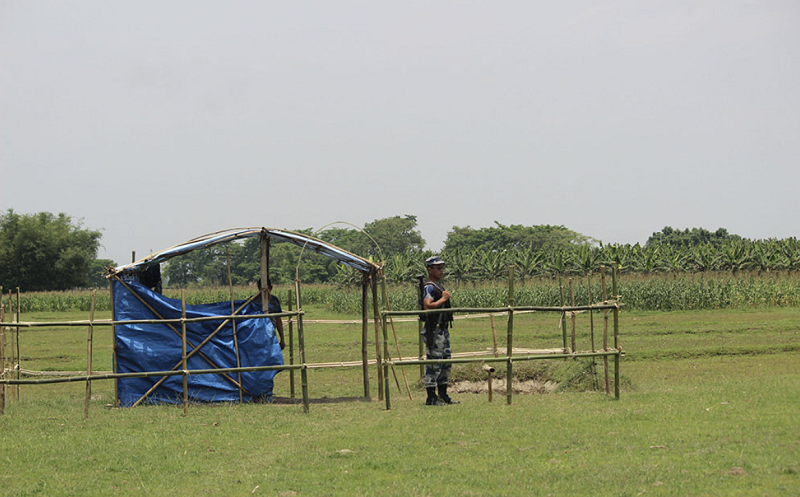 △新冠疫情期间查巴县设立的某个临时边境检查点(图片来源:尼泊尔《坎蒂普尔日报》官网)