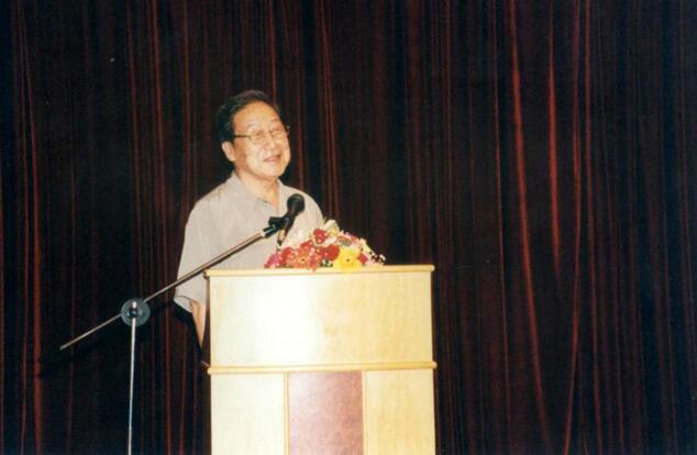 著名诗人贺敬之谈红豆七夕节:经过红豆集团坚持不懈努力 现在过的人越来越多