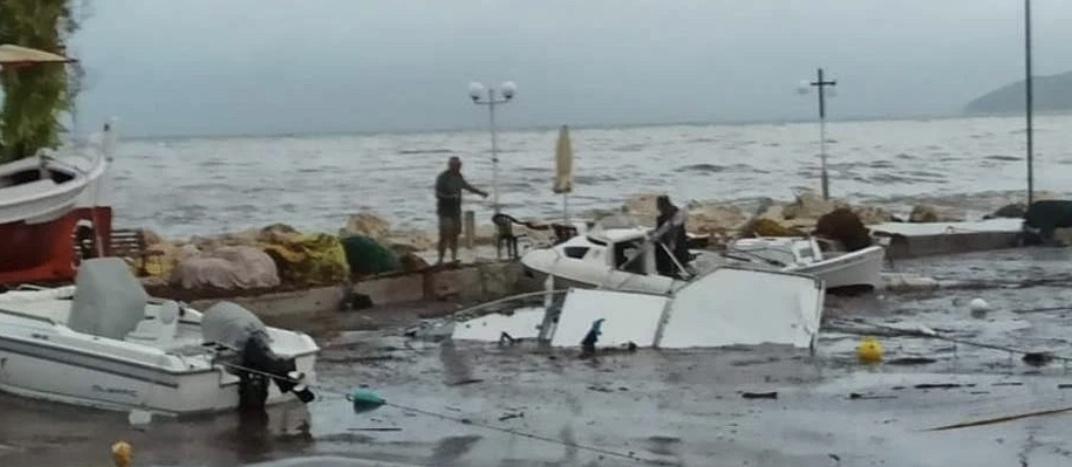 希腊西部遭超强风暴侵袭 三座海岛大面积停电图片