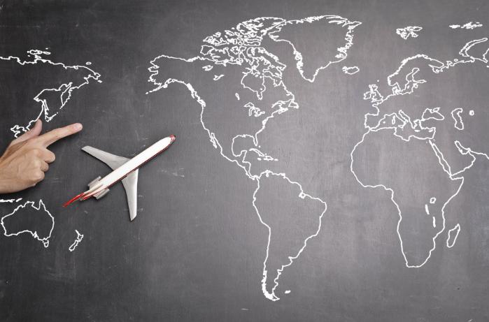 南方航空困难依旧 8月运营数据下跌 上半年已亏82亿元