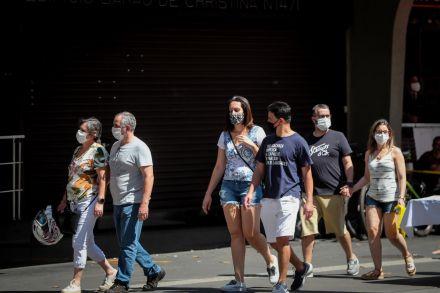巴西单日新增确诊病例逾3.9万例。(图源:埃菲社)