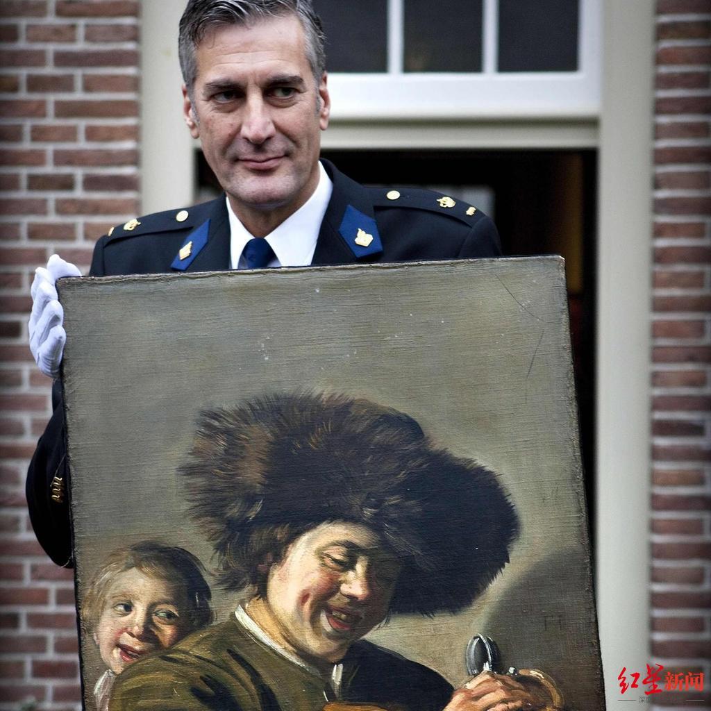 2011年11月,警方展示这幅两次被盗后两次被找回的名画