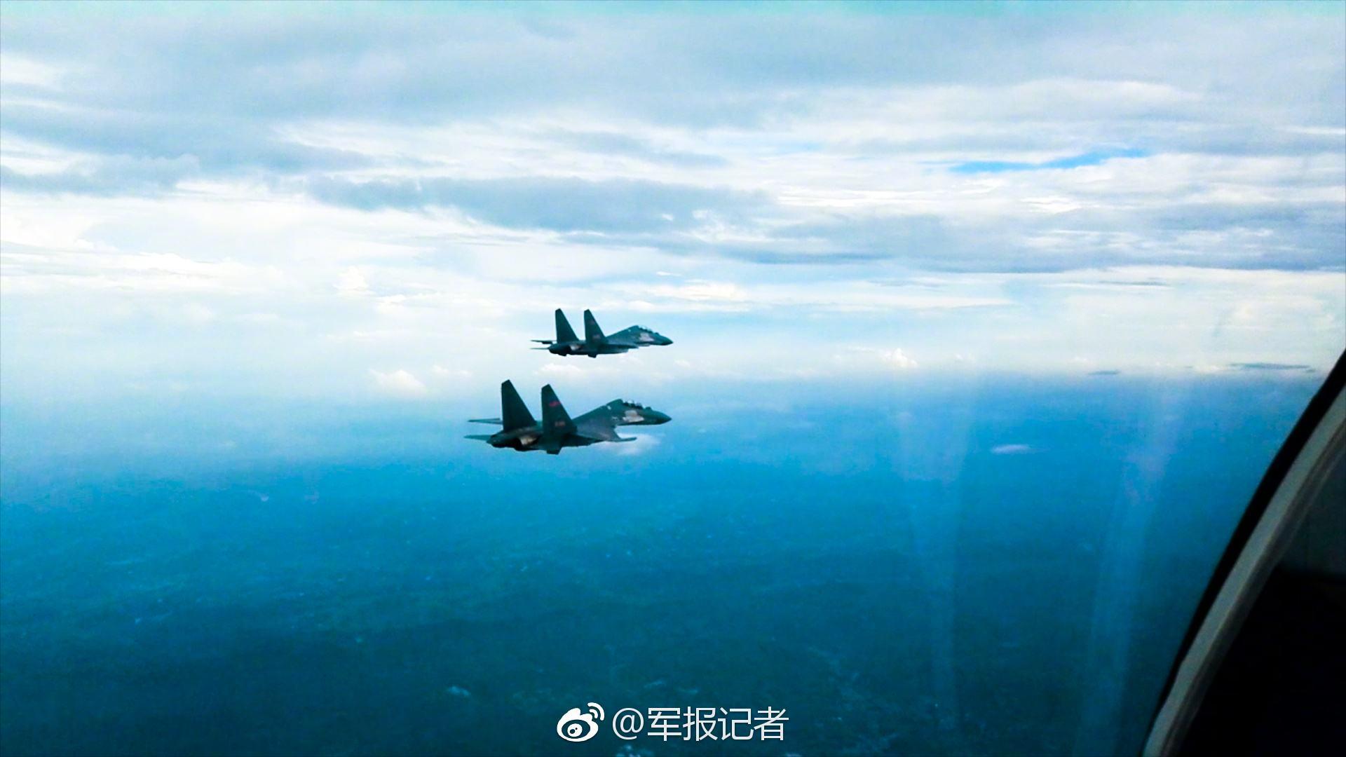 台中偏向,应该是歼-10大概歼-11战机,台媒则以为此为歼-16战机 图为军报记者公布的东部战区歼-16战机