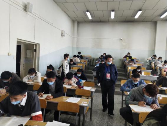 【新大新闻】我校全国大学英语(俄语)四、六级考试圆满结束图片