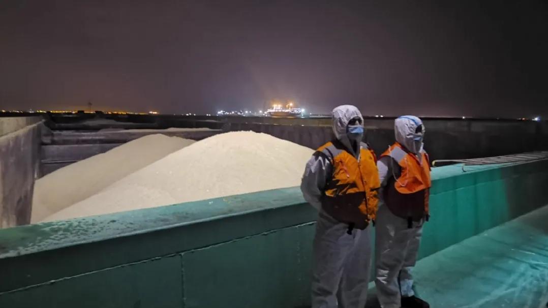 查获船舶7艘海砂6万余吨!上海集中整治非法采运海砂行为图片