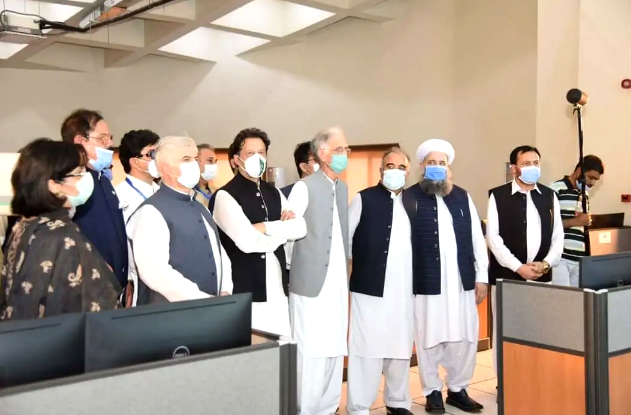 华录集团承建的巴基斯坦白沙瓦快速公交项目顺利通车