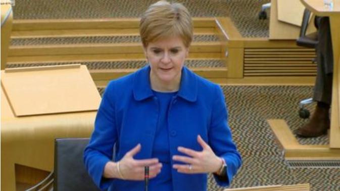 英国苏格兰地区禁止不同家庭之间室内聚会