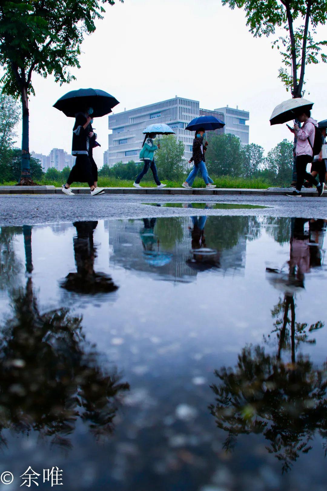 赴雨天之约,感受不一样的理工美!图片