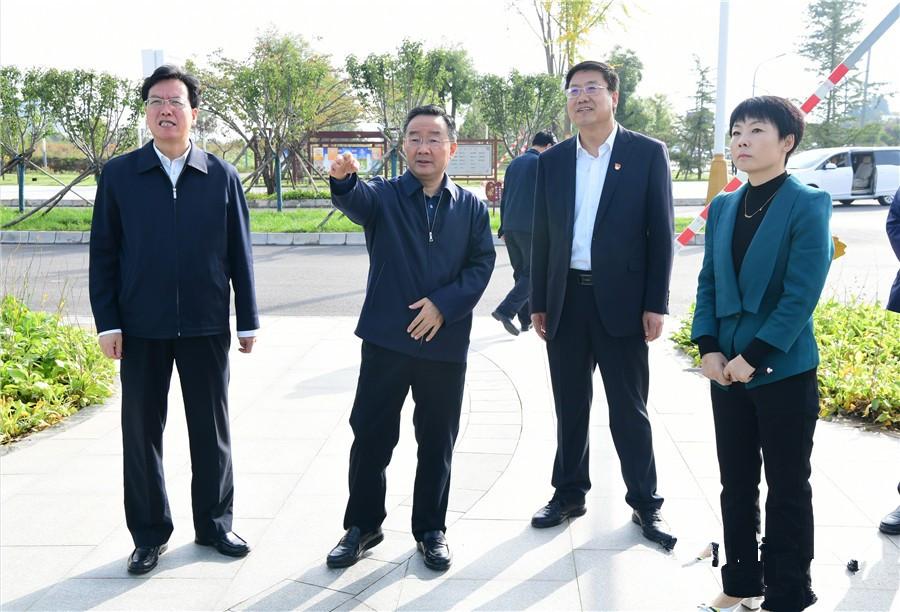 唐仁健在西峰区调研海绵城市和有关项目建设工作图片