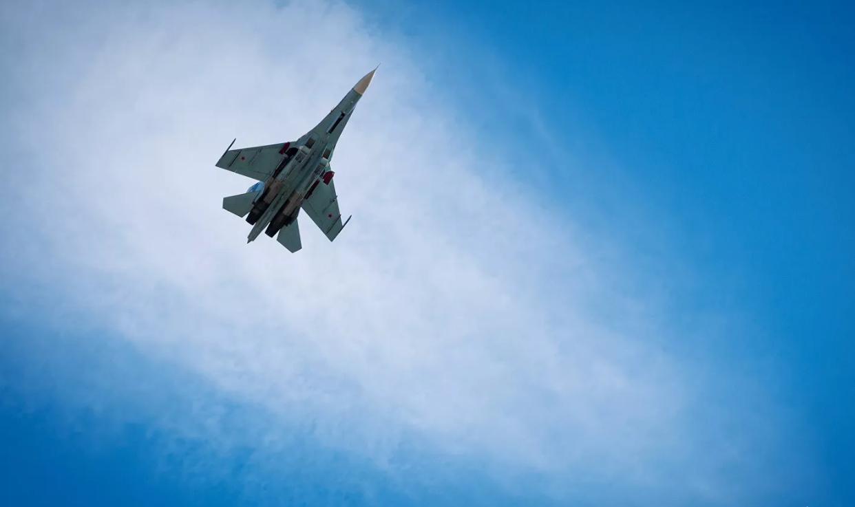 俄战机在黑海拦截两架美国B-52轰炸机